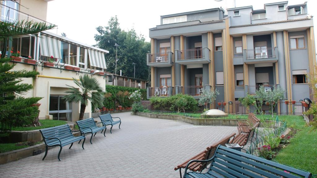 Hotel Casa Tra Noi Roma | Sito Ufficiale | Hotel 3 Stelle Roma